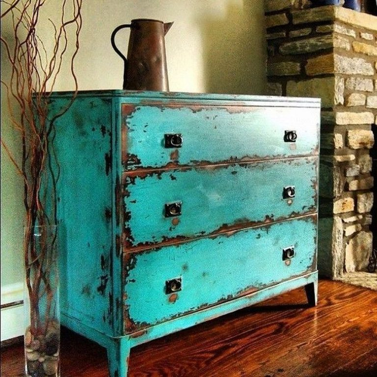 Awesome-Distressed-Furniture-Ideas03