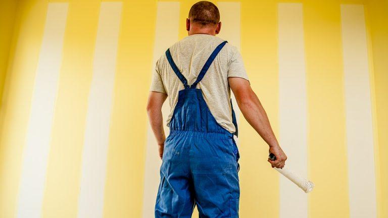 Tipy a rady, jak vymalovat svépomocí. Utrácet za profesionální malíře nemusíte!