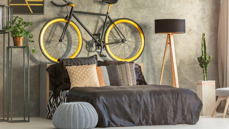Inspirativní tipy, jak uskladnit jízdní kolo v malém bytě