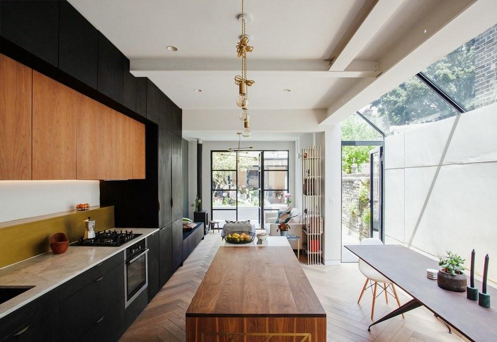 Díky přístavbě k tradičnímu viktoriánskému domu vznikl moderní byt s vlastní zenovou zahradou