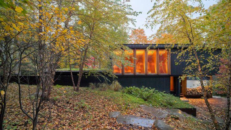 Dům u jezera nabízí ohromující výhled do krajiny