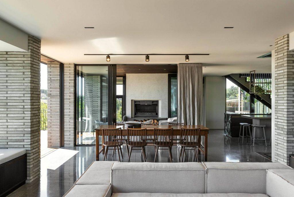 Přízemí domu nabízí společný obývací prostor