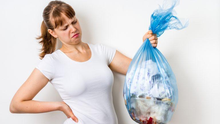 Jak se efektivně vypořádat s nevábným zápachem z odpadkového koše