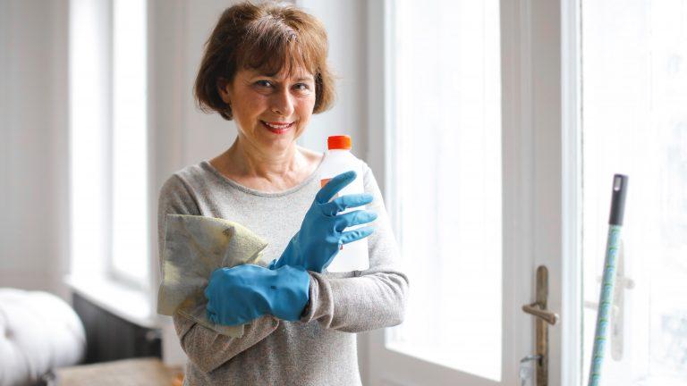 Neutrácejte zbytečně: vyrobte si domácí čistič na okna bez chemie