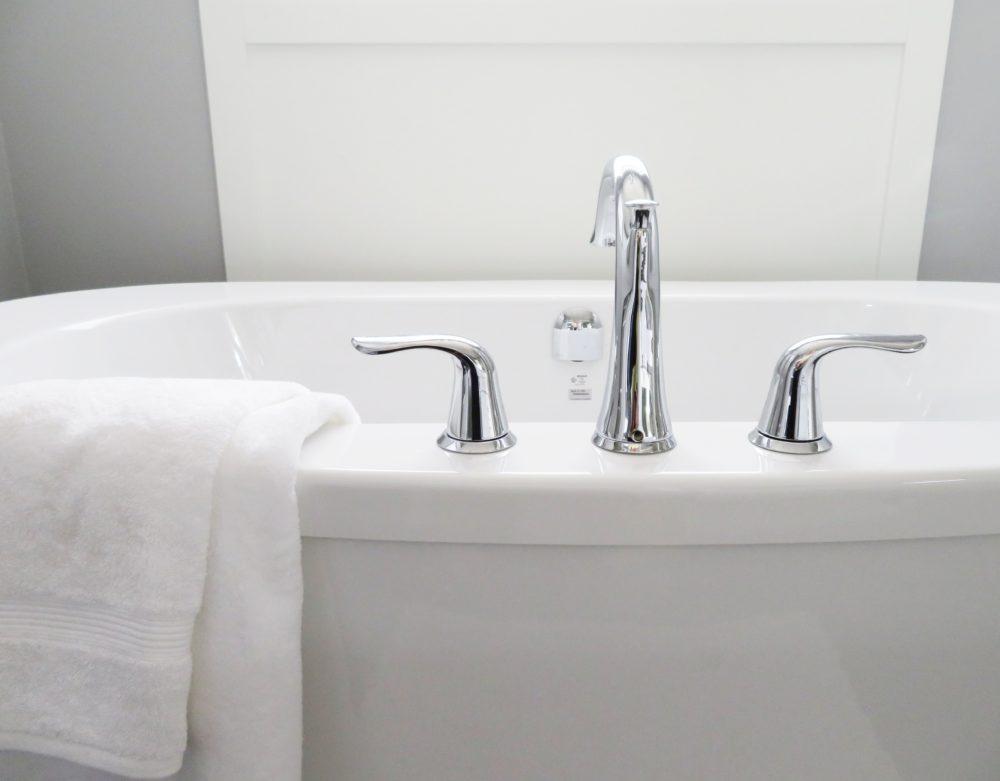 Neutrácejte zbytečně: vyrobte si domácí sprej proti vodnímu kameni