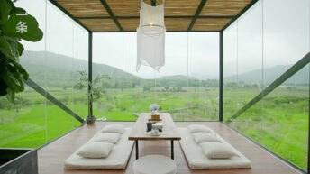 Součástí domu je i nově zbudovaná visutá terasa